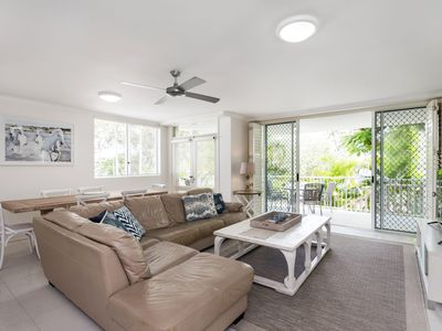 Photo for Unit 5 Outrigger Resort, 275 Gympie Terrace NOOSAVILLE