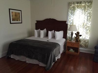 Photo for #10 The Kimberly Room | Dlx King | The Putnam Lodge