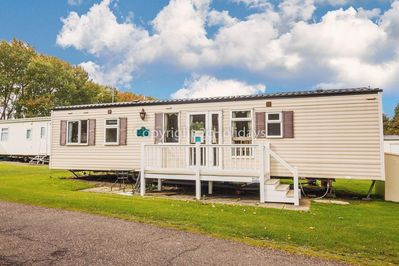 A private hire 8 berth caravan on the Wild Duck Holiday Park.