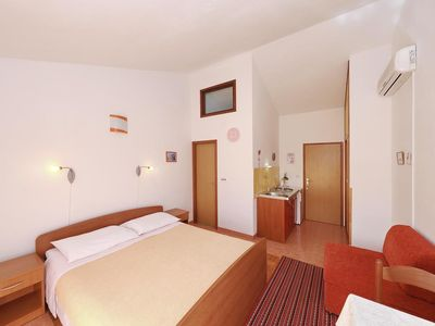 Photo for Studio flat with air-conditioning Božava, Dugi otok (AS-11896-a)