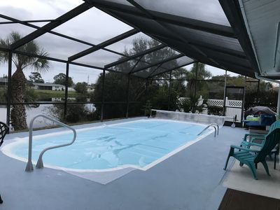 SERENE REMODELED-LAKE FRONT LARGE HEATED POOL HOUSE-3Bd/2Ba-1.5 MILES TO BEACH