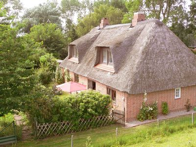 Photo for Thatched idyll at Eiderdeich with lots of space! 4 bedrooms and 3 bathrooms. Wifi