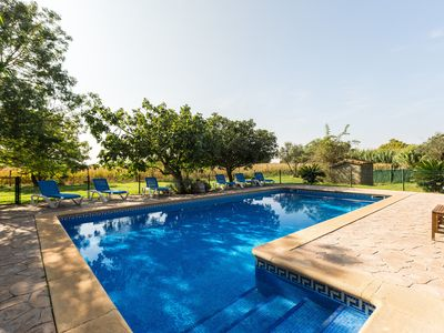 Photo for Magnificent house with pool, jacuzzi and garden 15 minutes from the beach
