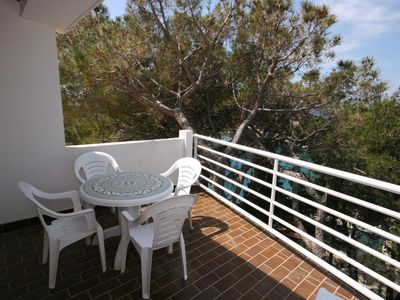 Photo for One bedroom apartment with terrace and sea view Mandre, Pag (A-6474-c)