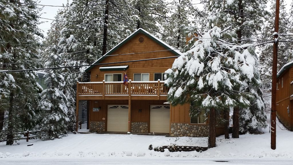 rentals on watch by for rent reservation big the service bear cabins presented cabin hill village
