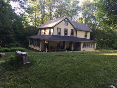 Photo for Beautiful 4 bedroom, 1.5 bathroom rustic farmhouse. Close to Bethel Woods.