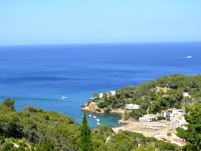Photo for 6 bedroom Villa, sleeps 11 with Pool, FREE WiFi and Walk to Beach & Shops