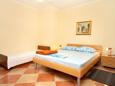 Photo for One bedroom apartment with balcony Sućuraj (Hvar)