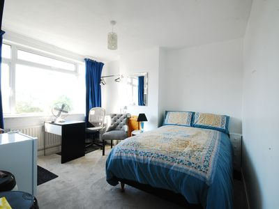 Photo for Windsor UK: En-Suite Bedroom with dedicated Living/Diner/Tea Station