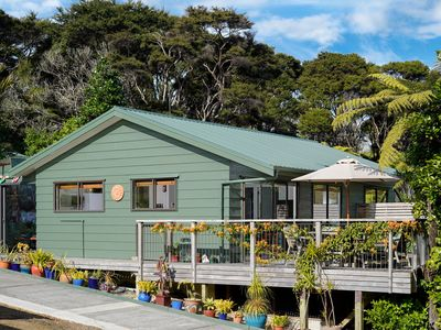 Photo for Bach 26 - Stay Waiheke