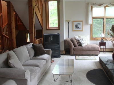 Charming and Warm Bromley Mountainside Home - Seasonal Rental