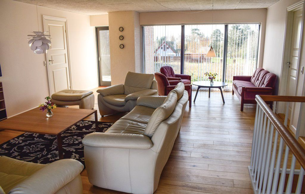 4 Bedroom Accommodation In Humble Humble Langeland
