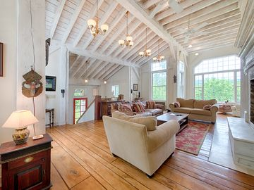 Amazing Architectural Post-And-Beam Masterpiece Mt. Snow