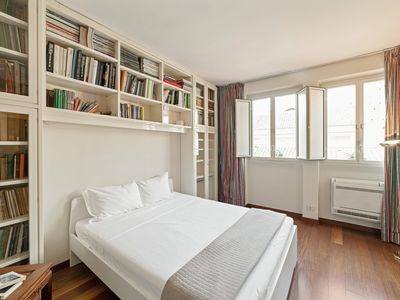 Photo for Pantheon, cosy and bright apartment!