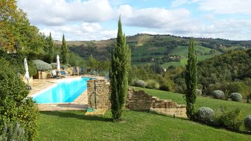 Restored Farmhouse With Private Pool And Lovely Views