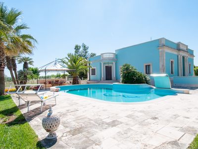Photo for Spacious Villa with Pool in Puglia for 8 people