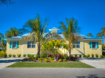 ☼ Dog Friendly Home & Private Heated Pool/Spa - Short Walk to the Beach!