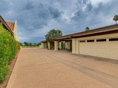 Photo for Come enjoy all Scottsdale has to offer in Luxury