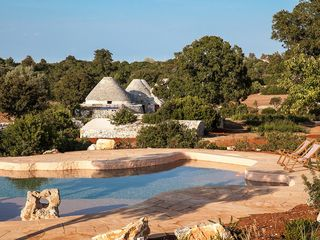 142 Trulli with