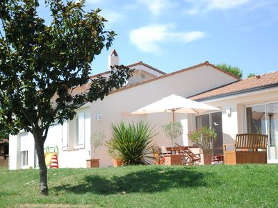 Photo for Quiet Pool Villa near Toulouse