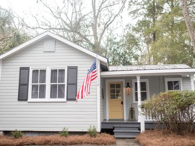 Photo for Farmhouse Cottage in Downtown Summerville