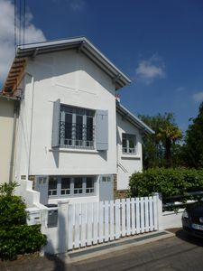Photo for Gourmalon, charming quiet house, 800 meters from the beach, on foot.