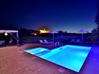 Photo for Enjoy the nature, the privacy and the swimming pool!