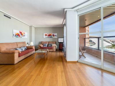 Photo for TH L'Umbracle. - Apartment for 6 people in Valencia