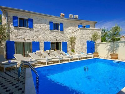 Photo for Holiday house Kruncici for 8 persons with 4 bedrooms - Villa