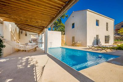Rustic sunny Holiday house - terrace with swimming pool, spacious garden, private parking - 1