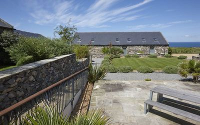 Photo for 5* 3 bedroom stone cottage configured for upside down living