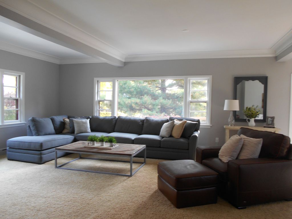 Walk Into The Bright, Large Open Living Room When You Enter The Great Escape ! Part 63