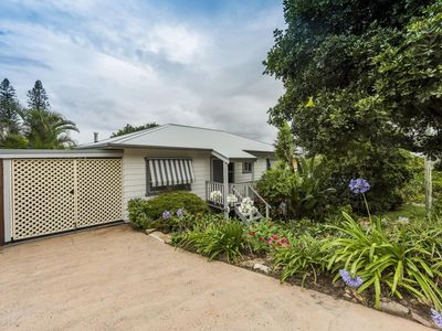 Photo for An Octopus's Garden, Large Family Holiday Home, Yamba