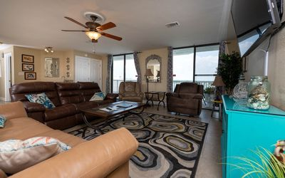 PENTHOUSE 3 BR! One Of A Kind! L@@K @ This BEACH VIEW!! *7 Night SPECIALS!