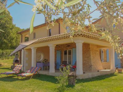 Photo for Gite in Provencal farmhouse, comfortable, air conditioned, with pool