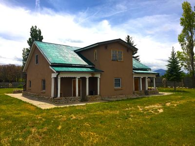 The Opus House - Peaceful Serenity Along the High Road to Taos Scenic Byway