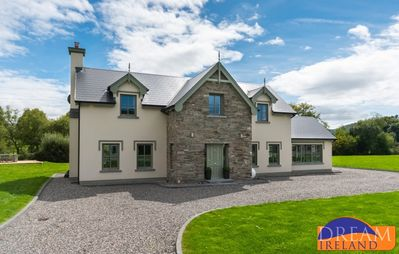 Photo for Luxury holiday home just a 5 minutes drive from Kenmare town
