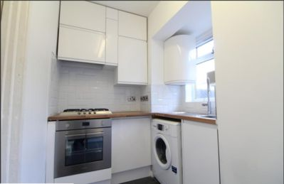Photo for Tooting Broadway Cottage - Cozy 2 bedroom house
