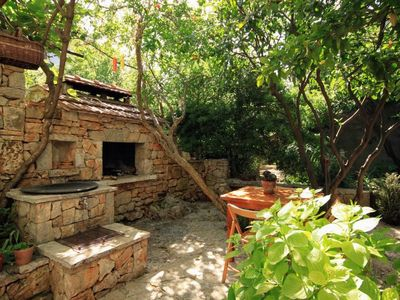 Photo for One bedroom apartment with balcony Jelsa (Hvar)