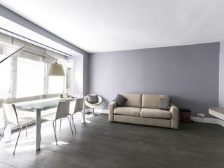 Well-furnished 1bdr in the Golden