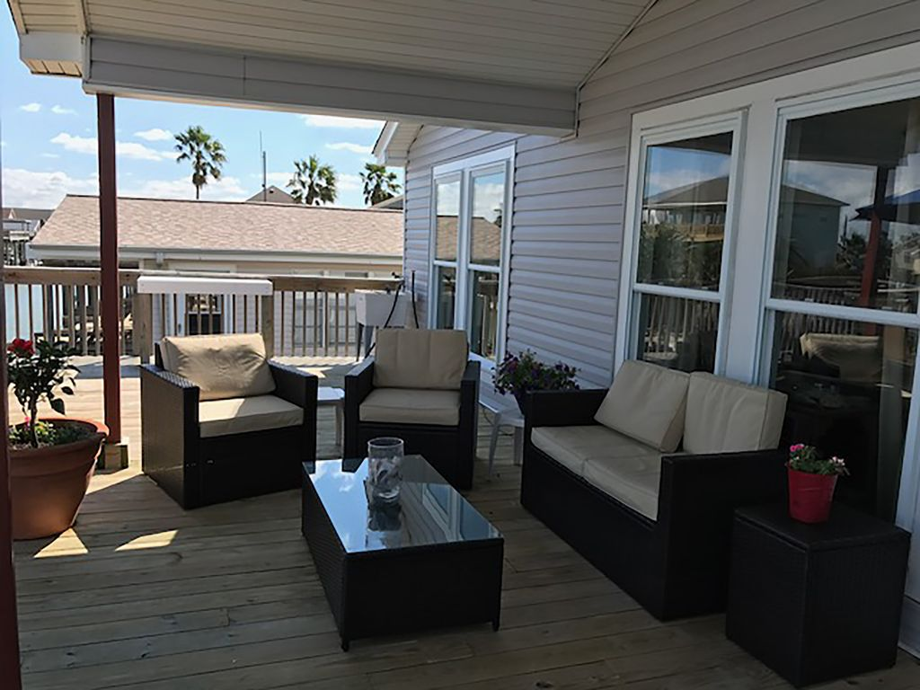 Property Image#3 Beautiful Canal Home At San Luis Pass In Treasure Island