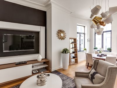 Photo for Beautiful 3 bedrooms/ 2 baths apartment in the center