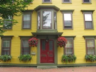 Historic Luxury Salem Townhouse