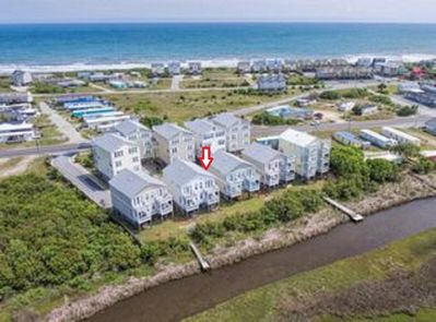 3 BR 3 bath townhouse. 5 min walk to beach. Great sound views. Cl to Surf City.