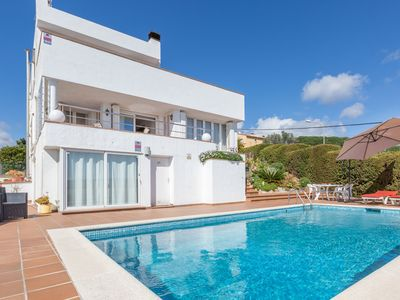 Photo for Spacious holiday villa with private swimming pool and various terraces in Blanes