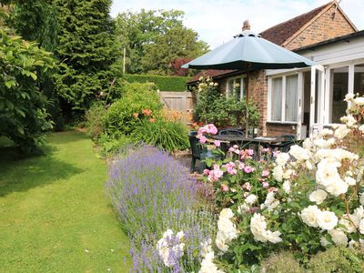 Photo for Delightful cottage in Newick, secluded enclosed garden, single storey