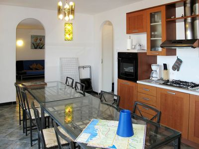 Photo for Beautiful apartment for 6 people with hot tub, WIFI, TV, balcony and parking