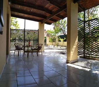 Photo for Small Villa with Garden, Terrace & Wi-Fi; Parking Available