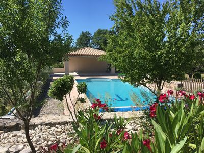 Photo for In Provence, between Ventoux and Luberon, beautiful villa with swimming pool