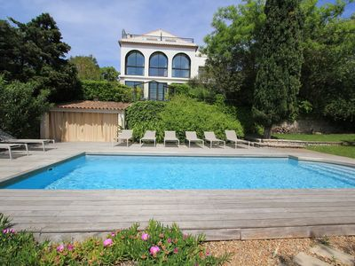 Photo for Luxury villa with swimming pool and garden. Hosts up to 15 people